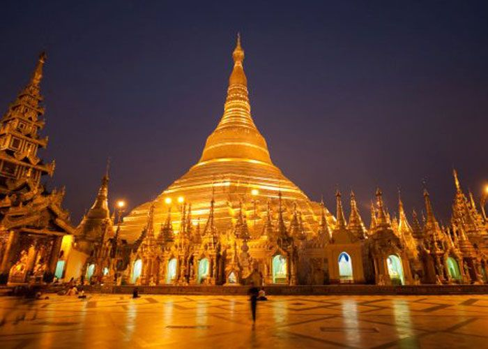 Myanmar, the land of the Golden Pagoda !