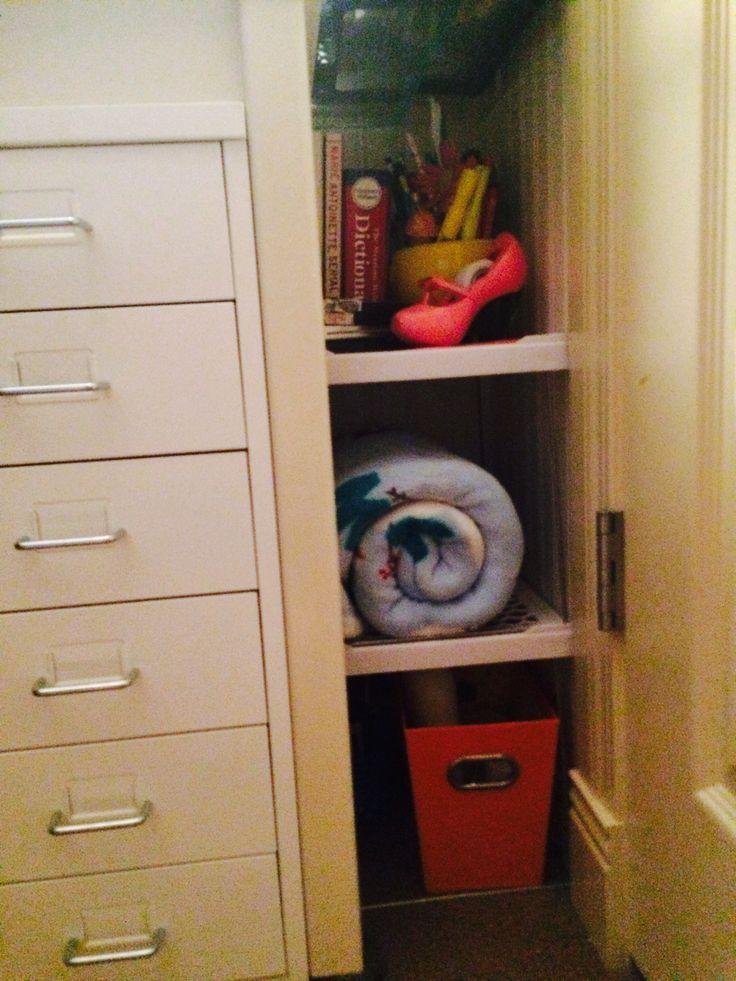 Cool Ways To Reuse Old Locker Shelves Bedroom Ideas