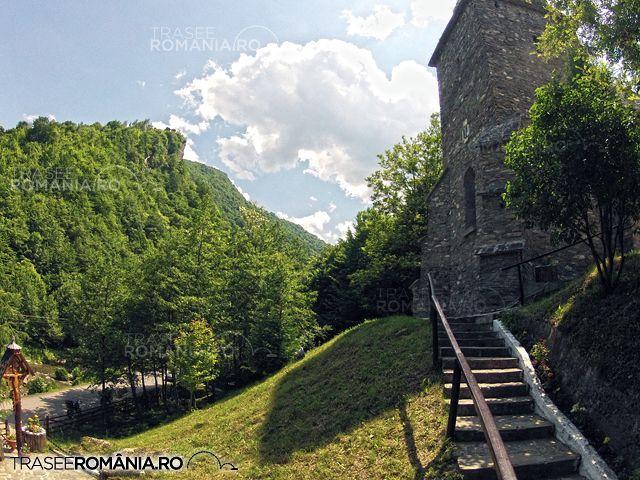 """Se spune ca in urma vizitei romancierului francez Jules Verne, cetatea Colt apare in binecunoscutul roman """"Castelul din Carpati"""