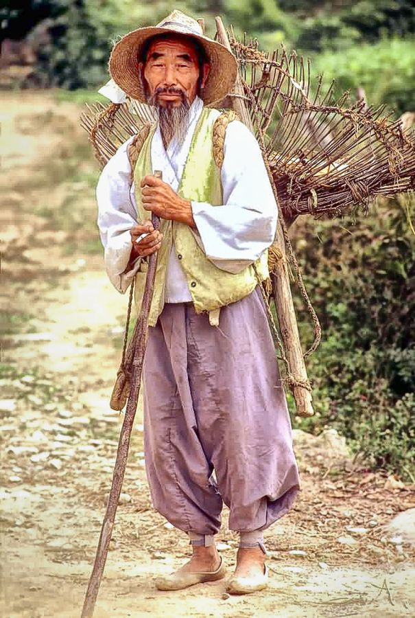 Farmer (1976), South Korea.  ** What a proud looking man. Hard working and strong.