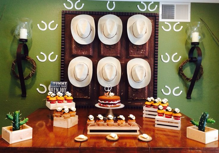 Western or Mexican Cowboy Hat Desert Table #cowboycupcake #cactus #horseshoe #westerncake