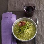 Un risotto con tutto il sapore della primavera grazie alla delicata presenza degli asparagi. Prova la ricetta di Sale&Pepe.