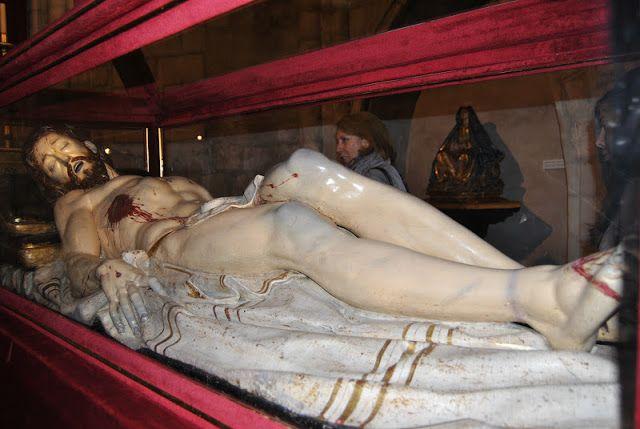 Gregorio Fernández - Cristo yacente (1609-12) - Iglesia de San Pablo (Valladolid)