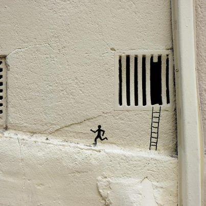 Et si on s'échappait de cette société de consommation ? / Street art. / By OakOak.