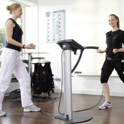 Electrical muscle stimulation- can a machine get you fit in 15 minutes? #beauty #anti-aging