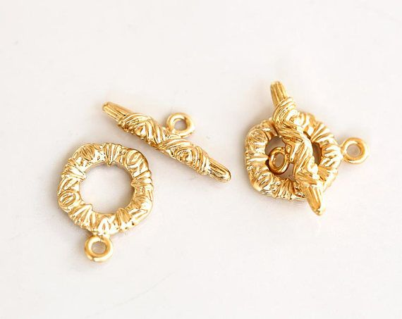 2857 Gold toggle clasp 16x12 mm Round toggle clasps Toggle