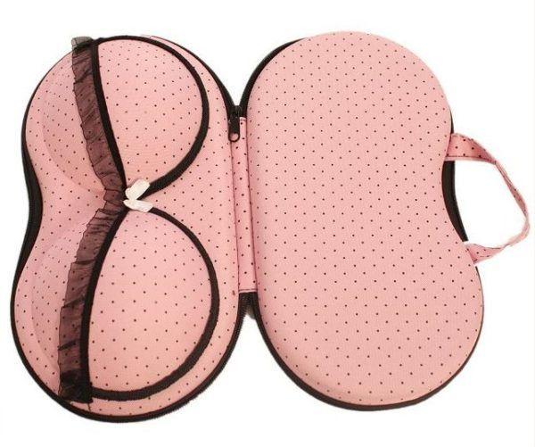 Coque de protection pour soutien-gorge - Protéger sa lingerie en voyage #lingerie #travel #voyage #traveltips