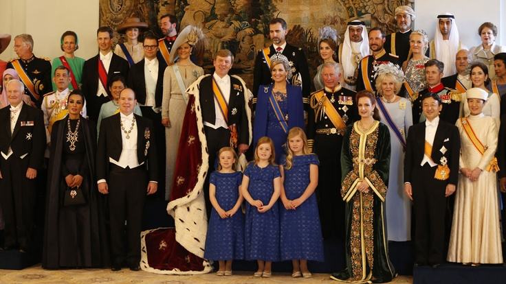 .The New King of The Netherlands || King Willem-Alexander, with his wife and three daughters standing with Royalty from all over the world. (Masako, Prince Albert, Prince Charles).
