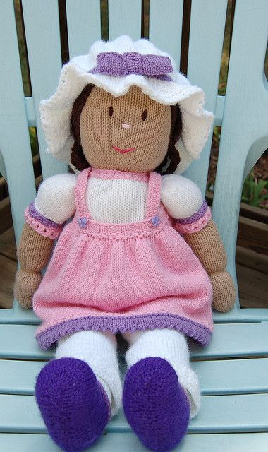 Such a sweet knitted doll.