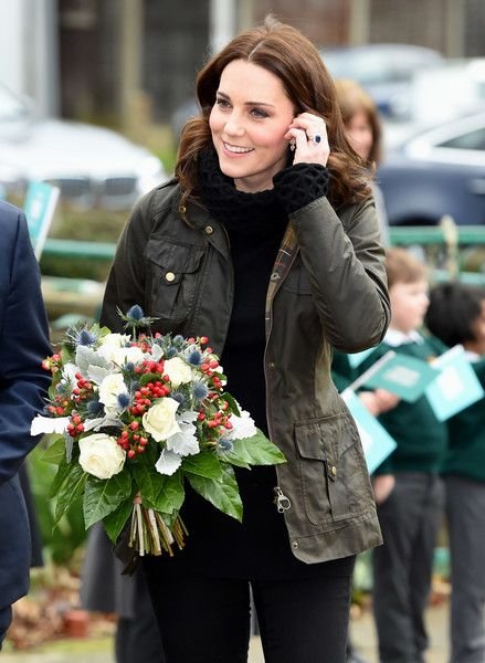 Kate Middleton Photos - Catherine, Duchess of Cambridge visits the Robin Hood Primary School to celebrate ten years of The Royal Horticultural Society campaign for school gardening on November 29, 2017 in London, England. - The Duchess Of Cambridge Visits Robin Hood Primary School