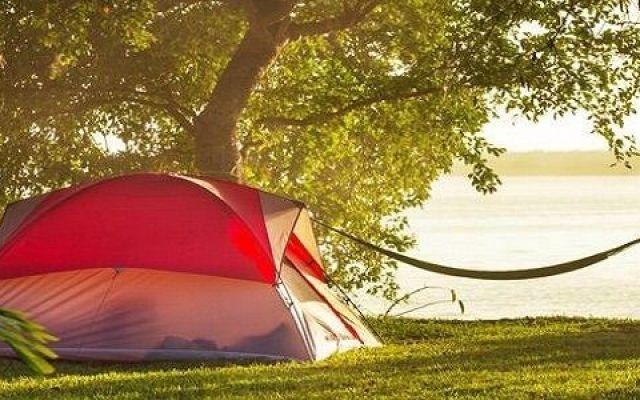 Vacanza in campeggio, 5 consigli d'oro per staccare dalla routine e viverla al meglio Con l'arrivo dell'estate, Campeggi.com pubblica 5 utili consigli per chi pensa alla vacanza in campeggio. Una breve guida per vivere al meglio, soprattutto se è la prima volta, la vacanza all'aria ap #vacanza #campeggio #consigli