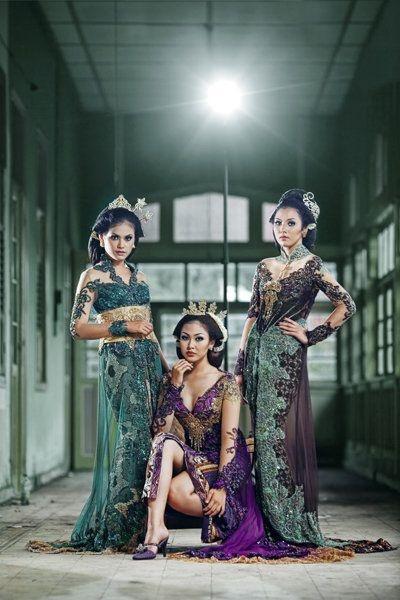 Absolutely beautiful kebaya nova viola kebaya cantik