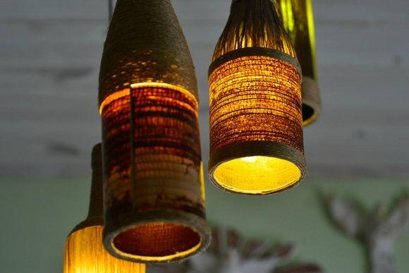 Luminária de fibra natural - 4 garrafas