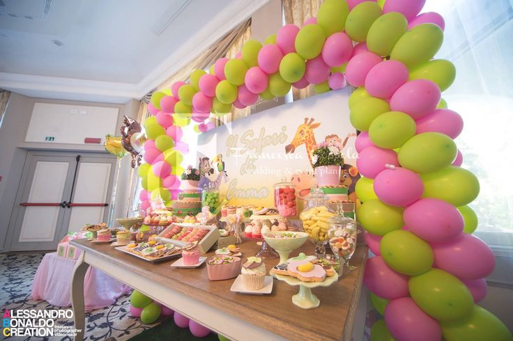 Safari party sweet table