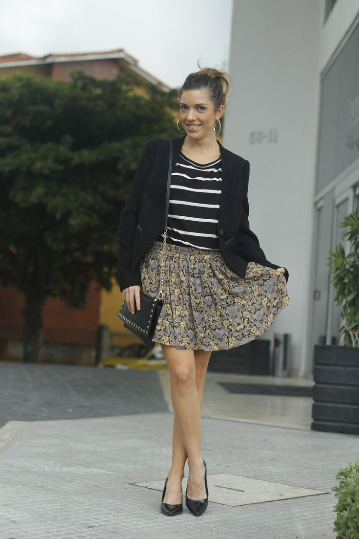 Mixing Vintage Floral Skirt with Striped Shirt = New combinations Mango It Girl Colombia Andrea Renaud instagram: andreamccausland
