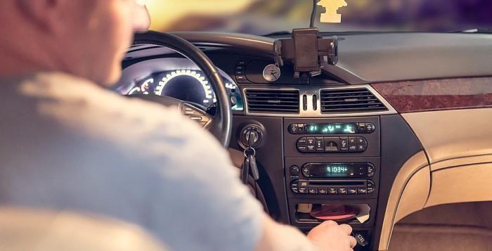 Rok 2018 pro řidiče: Další dálnice bez poplatku, stop emisním podvodům, řidičák na všech úřadech