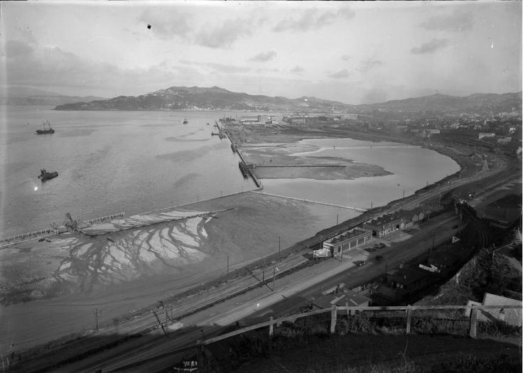 Reclamation in Thorndon circa 1925 Reclamation started in the 1850s, to increase the useable flat land for Wellington City. In the 1960/70s this continued to be able to meet the needs of container shipping. Reclamation has added to 155 hectares to Wellington