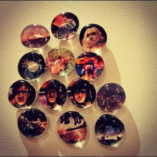 How to Make Marble Photo MagnetsPhones Photos, Marbles Magnets, Diy Marbles, Gift Ideas, Marbles Photos, Photos Marbles, How To Make Photos Magnets, Round Magnets, Diy Photos