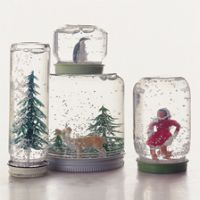 snow globes and other DIY christmas crafts for kids