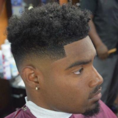 Verblassen Frisur schwarzes Haar