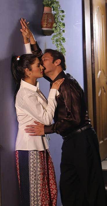 https://flic.kr/p/TvzUiK | Rohid and Zara ROMANCE | Rohid Ali Khan and Zara  Romance in ADHOOREY KHUWAAB