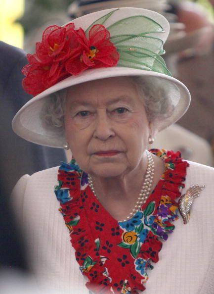 17 Best Images About Love Queen Elizabeth On Pinterest
