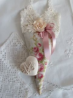 sachet  http://angela-lace.blogspot.it