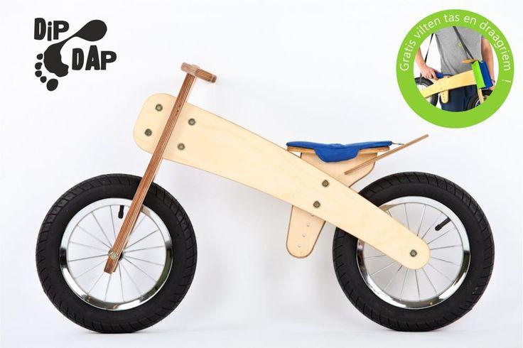 DipDap luxe houten loopfiets set blauw-groen  Loopfietsen van DipDap is een houten constructie gecombineerd met stalen montage delen. De hoogst haalbare kwaliteit welke op dit moment verkrijgbaar is in zijn branche.