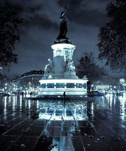 bastille republique paris