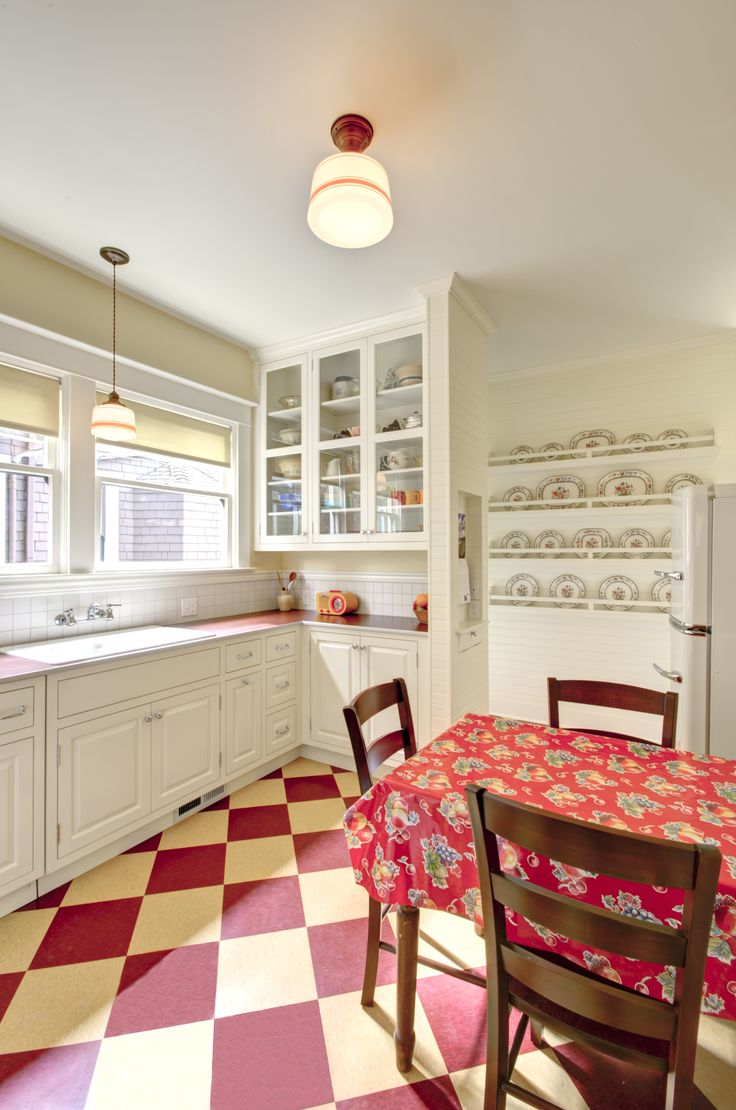 Retro Kitchen Design By Alice Design And Domestic Arts Built By Hammer And Hand In
