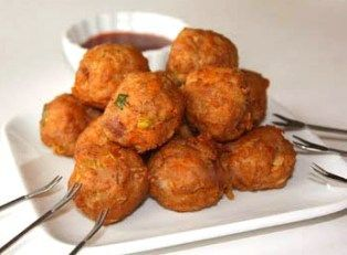 TARO MEATBALLS - I love dishes made from taro and if I see a dish using Taro I will definitely try it out. If you love taro you will love this dish. These meatballs are crispy on the outside, soft, tender and very flavorful on the inside.