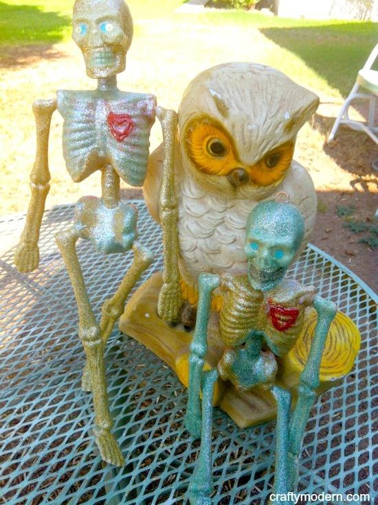 Creepy Sparkly Dollar Store Skeletons Using Mod Podge and Dimensional Magic #Halloween: Multi Glitt Colors