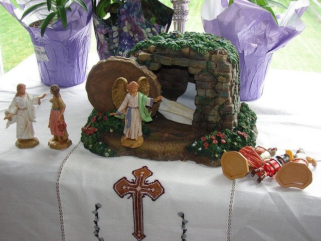The Empty Tomb by jenngm67, via Flickr
