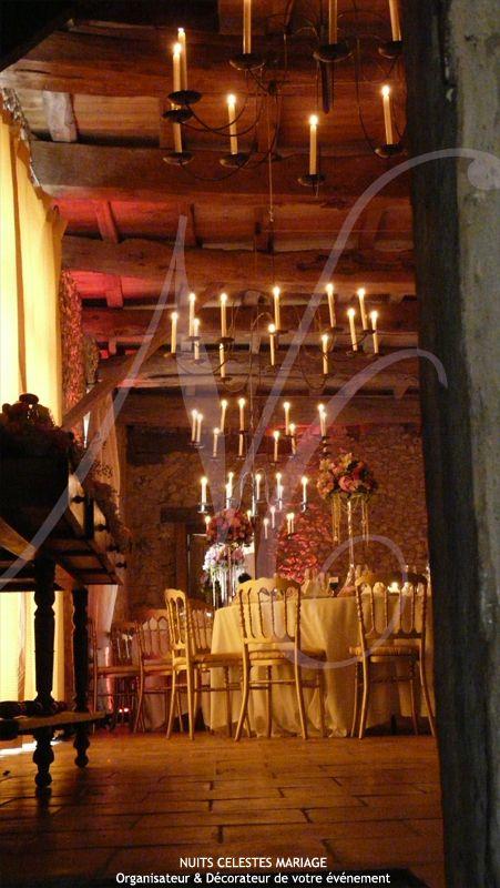 Décor réalisé par : Nuits Célestes Mariage Wedding Planner & Décorateur Paris Bordeaux et Périgueux  #decoration #decorateur #élégant #weddingplanner #nuitscelestes #bordeaux #paris #perigueux #mariage #wedding #createurdefeerie #inspiration #illumination #grange #organisateur #marrainemelodie #pampilles #bougies #lustres #romantique