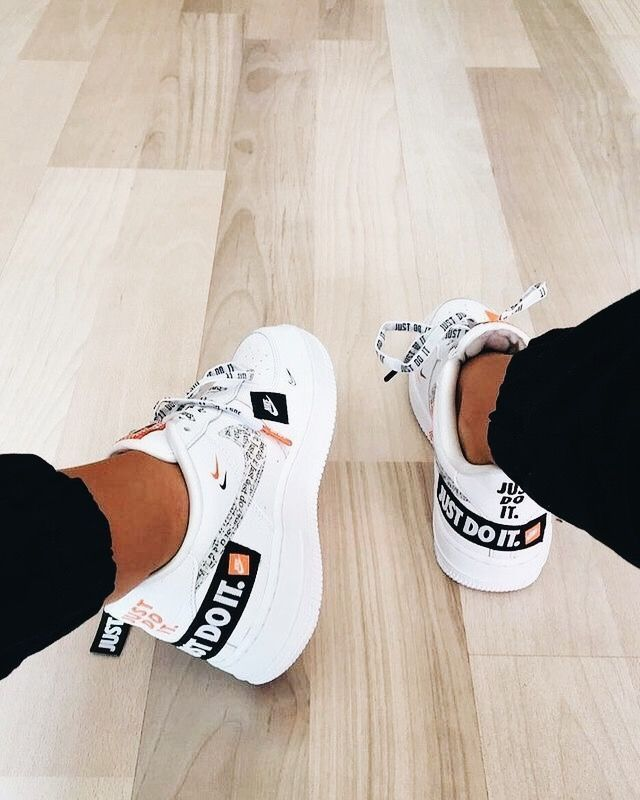 ฉันชอบ…😍😍😍😍😍😍  Air Force 1 just do it  ar7719-100