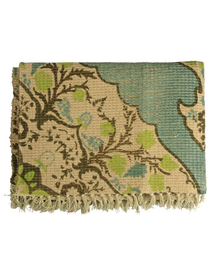 Carpet with vintage look #vtwonen #magazine #interior #collection #interior #carpet #green