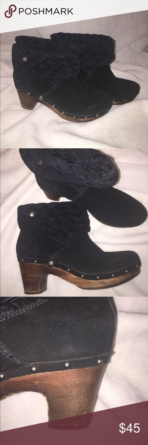 Super cute Uggs lynnea arroyo black woven size 10 Super cute the style is Lynne's arroyo and they are black the details are adorable these have a 2.5 in heal but it doesn't feel like your wearing a heal! These are a women's size 10 and run true to size normal wear UGG Shoes Ankle Boots & Booties
