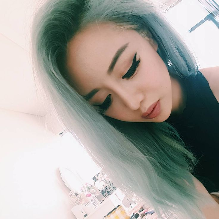 Want to find out what I do behind the scenes of my makeup tutorials ?? Video now up on my channel   http://www.youtube.com/wengie
