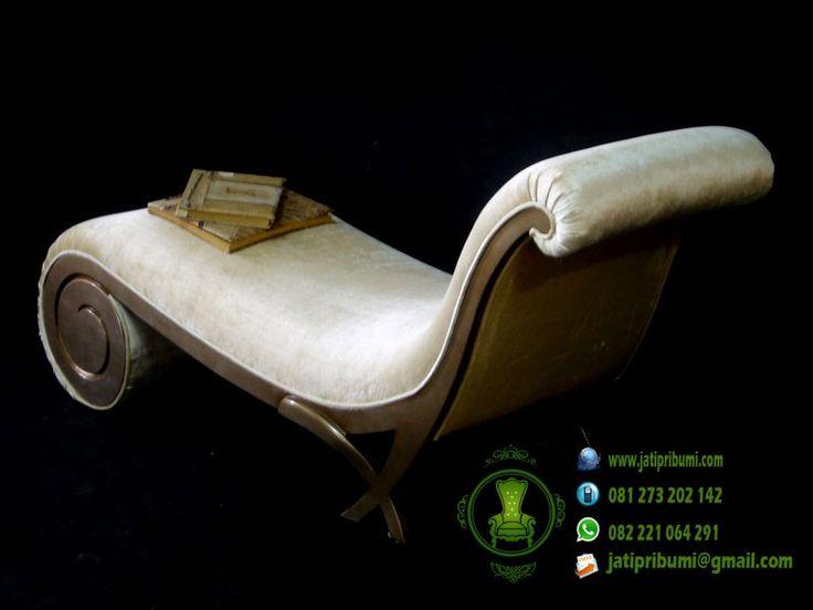 Sofa Santai Untuk Membaca Buku adalah www.jatipribumi.com model sofa terbaru yang sangat nyaman untuk membaca buku di dalam rumah anda.