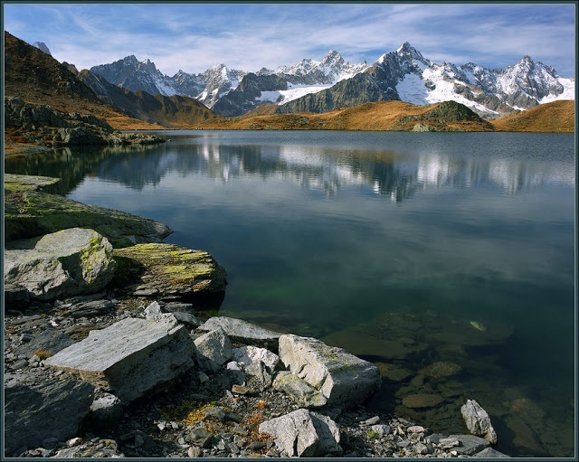 Spectacular Places: Ice water Lake in the Alps, Europe