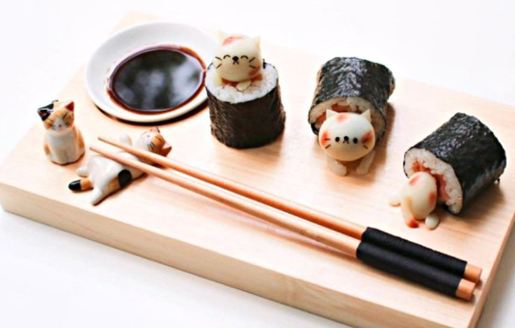These cute sushi rolls are just too adorable to eat!