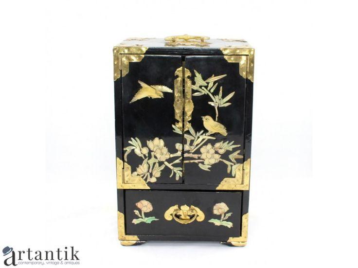 Dulapior oriental pentru bijuterii / caseta vintage pentru bijuterii | lemn lacquer, intarsie de sidef natural & alamă | China