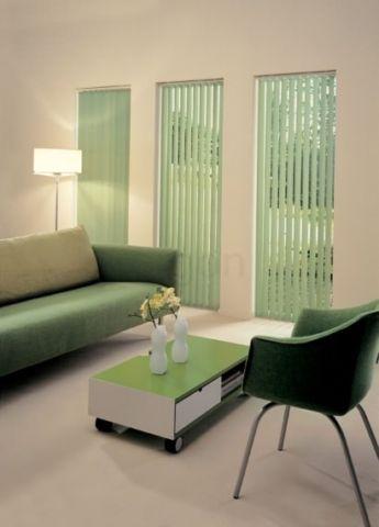 וילון-ורטיקלי-ירוק-בסלון