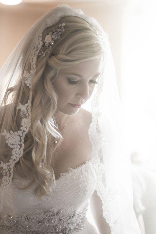Bruidskapsel los haar en sluier
