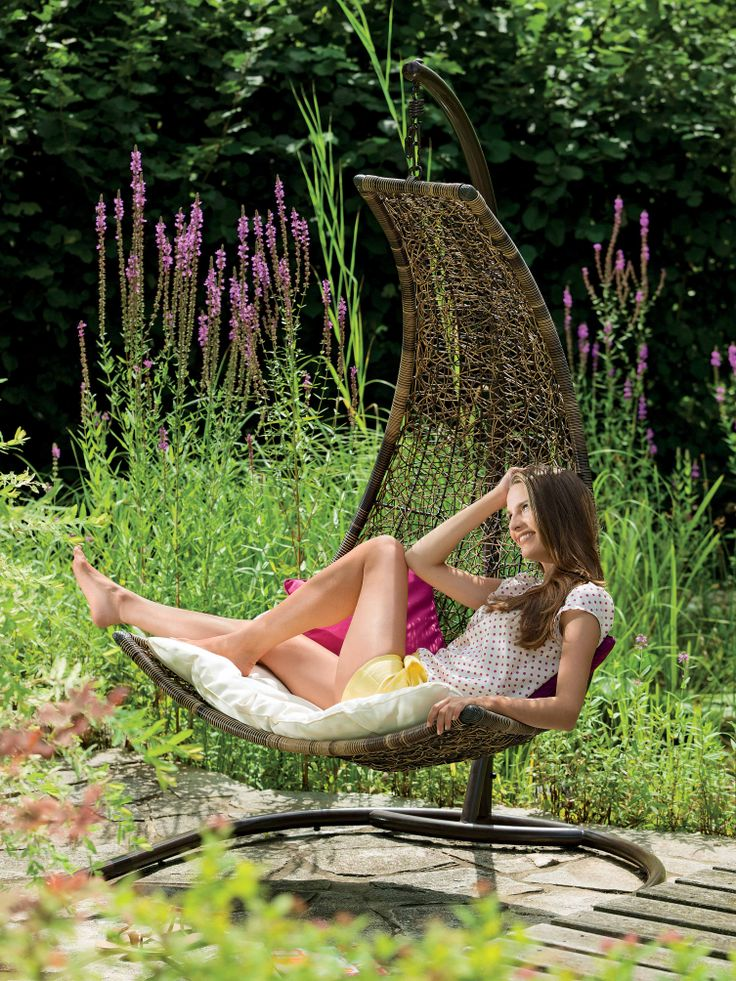 Ideile frumoase vin mai ales in momentele de relaxare.  Swonk Balnsoar, 1.599 lei #gradina #balansoar #kikaromania #relaxare