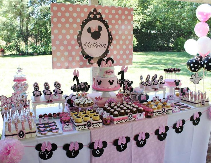 Pink and black Minnie Mouse birthday party! See more party ideas at CatchMyParty.com!