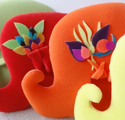 Peluca de goma espuma: Goma Espuma, Carnaval Carioca, Gorros Goma, Rubber, Peluca Wigs, Sombreros Para Fiestas, Carnavals Carioca, At Parties, All