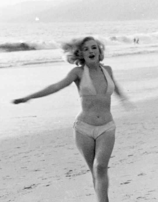 alwaysmarilynmonroe: Marilyn by Anthony Beauchamp... - Java Tunes