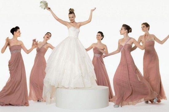 E se eu quiser que todas as madrinhas usem vestidos iguais? | Gabi Chanas