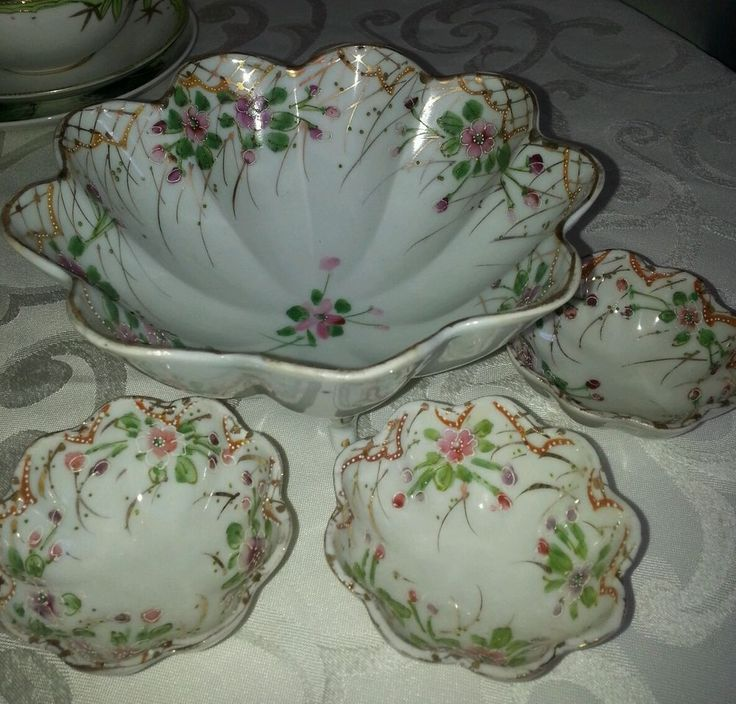 Vintage Kitchen Bowls: Antique Made In Japan Footed Dish & 3 Matching Finger